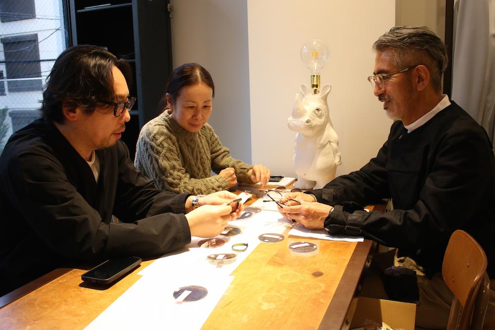 「Scye」の宮原さんと日高さんとのミーティング風景。