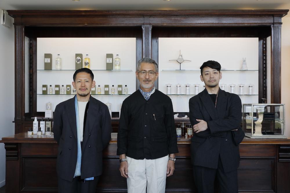 左:「Phaeton」のオーナーである坂矢さん、右:Old Joeデザイナーの髙木さん、中:岡田